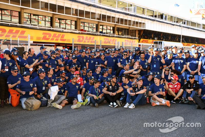 Групповое фото волонтеров FIA