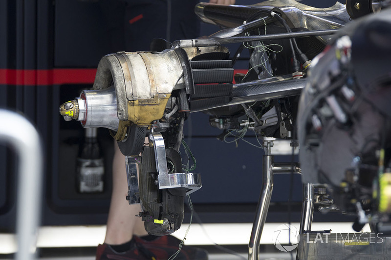 Red Bull Racing RB13 rear wheel hub detail