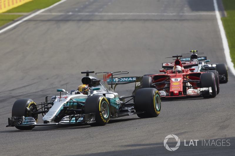 Lewis Hamilton, Mercedes AMG F1 W08, Sebastian Vettel, Ferrari SF70H, Valtteri Bottas, Mercedes AMG