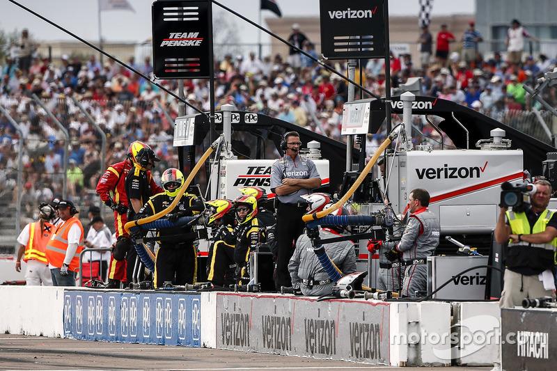 Will Power, Team Penske Chevrolet pit