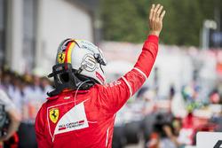 Segundo, Sebastian Vettel, Ferrari, en Parc Ferme