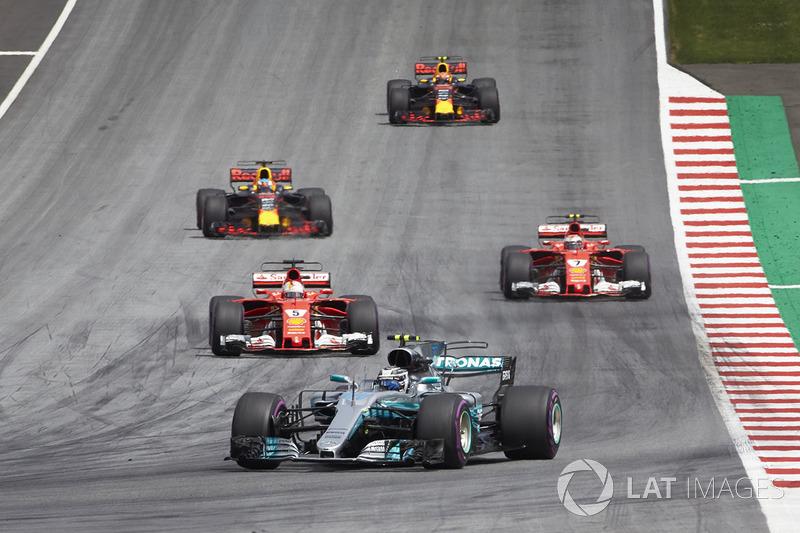 Валттері Боттас, Mercedes AMG F1 W08, Себастьян Феттель, Ferrari SF70H, Кімі Райкконен, Ferrari SF70