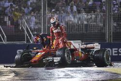 Kimi Raikkonen, Ferrari, Max Verstappen, Red Bull, después de su choque