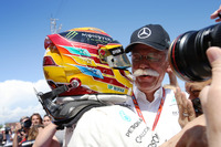 Race winner Lewis Hamilton, Mercedes AMG F1 W08, Dr Dieter Zetsche, CEO, Mercedes Benz