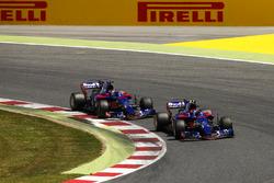 Карлос Сайнс-мл., Scuderia Toro Rosso STR12, и Даниил Квят, Scuderia Toro Rosso STR12