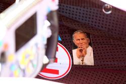 Imagen del Papa en el coche de Sergio Pérez, Sahara Force India F1 VJM10