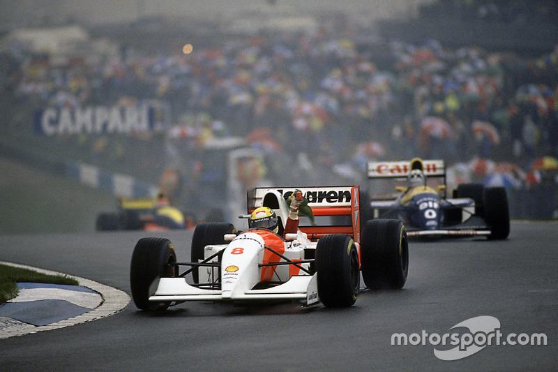 Ayrton Senna, McLaren MP4/8 Ford, fête sa victoire