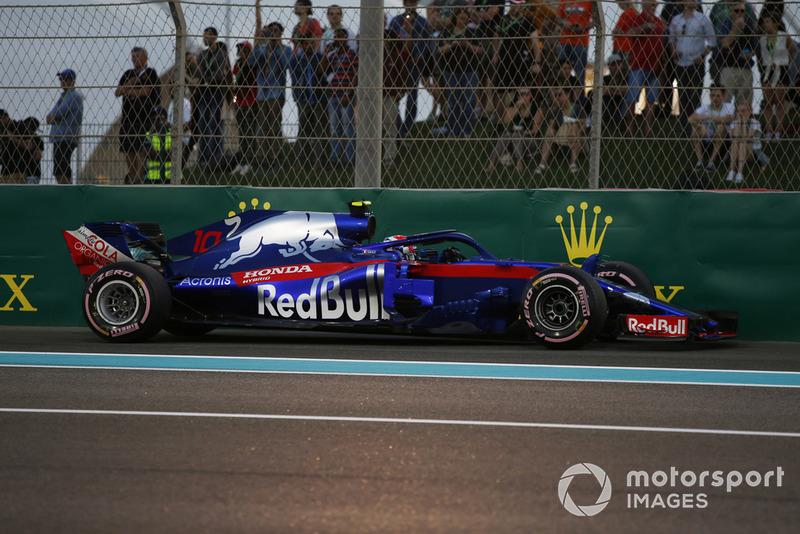 П'єр Гаслі, Toro Rosso STR13, зупиняється у Q1