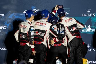 1. #8 Toyota Gazoo Racing Toyota TS050: Fernando Alonso, 2. #7 Toyota Gazoo Racing Toyota TS050: Mike Conway, Kamui Kobayashi, Jose Maria Lopez