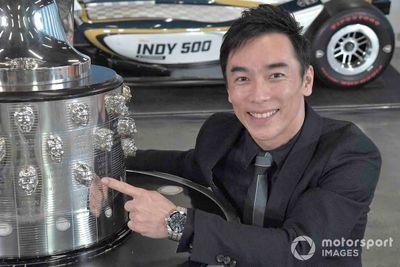 Sato und die Borg-Warner-Trophy
