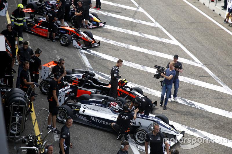 Pedro Piquet, Van Amersfoort Racing Dallara F316 - Mercedes; Callum Ilott, Van Amersfoort Racing Dal