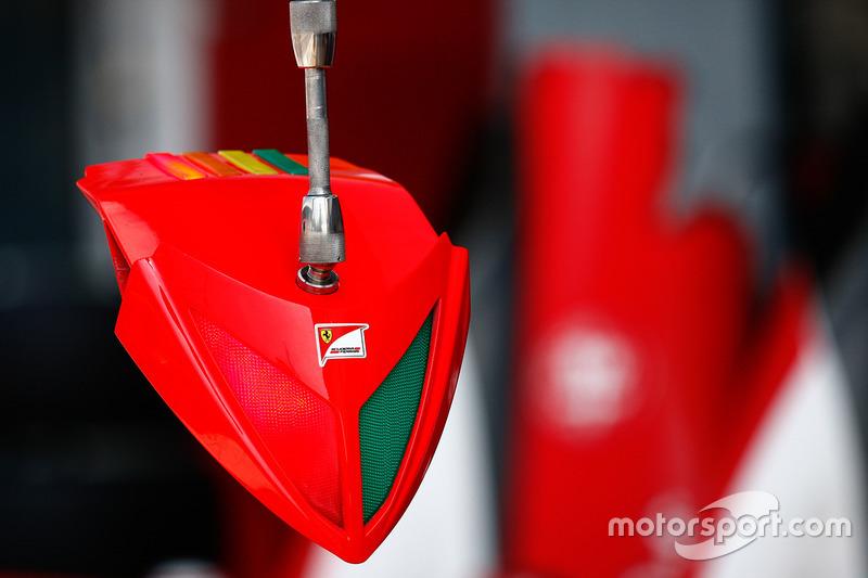Ferrari pits light