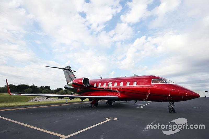 Jet Privato Hamilton : Il jet privato di lewis hamilton mercedes amg f a gp