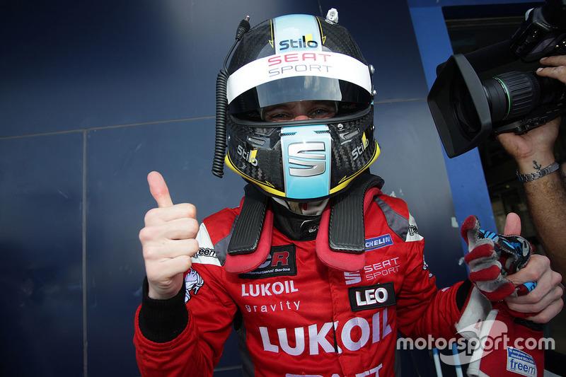 Il vincitore James Nash, Team Craft-Bamboo, SEAT León TCR