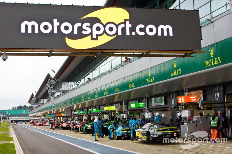 10. Señalización de Motorsport.com en el pitlane