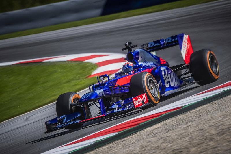Marc Marquez maneja el Toro Rosso F1