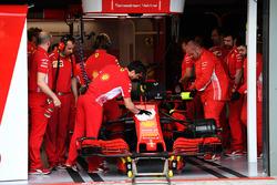 Ferrari SF-71H garage
