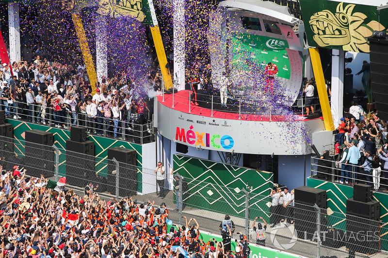Podio: Max Verstappen, Red Bull Racing, Valtteri Bottas, Mercedes AMG F1, Kimi Raikkonen, Ferrari