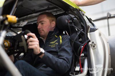 Anuncio Aston Martin Racing