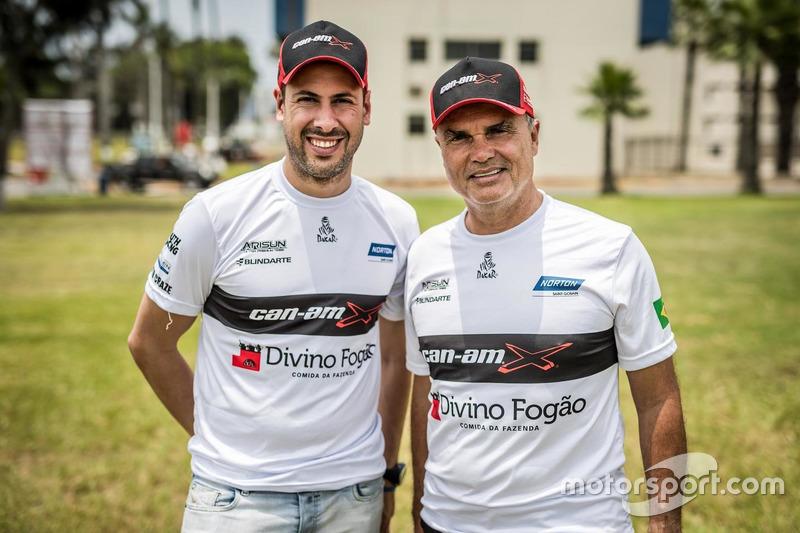 Победители в зачете мотовездеходов: Рейналду Варела и Густаво Гужельмин
