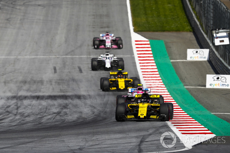 Nico Hulkenberg, Renault Sport F1 Team R.S. 18, Esteban Ocon, Force India VJM11, Carlos Sainz Jr., Renault Sport F1 Team R.S. 18, Lance Stroll, Williams FW41