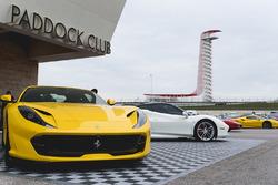 Ferraris en el paddock