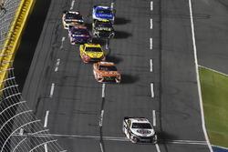 Kevin Harvick, Stewart-Haas Racing, Ford Fusion Jimmy John's and Daniel Suarez, Joe Gibbs Racing, Toyota Camry ARRIS