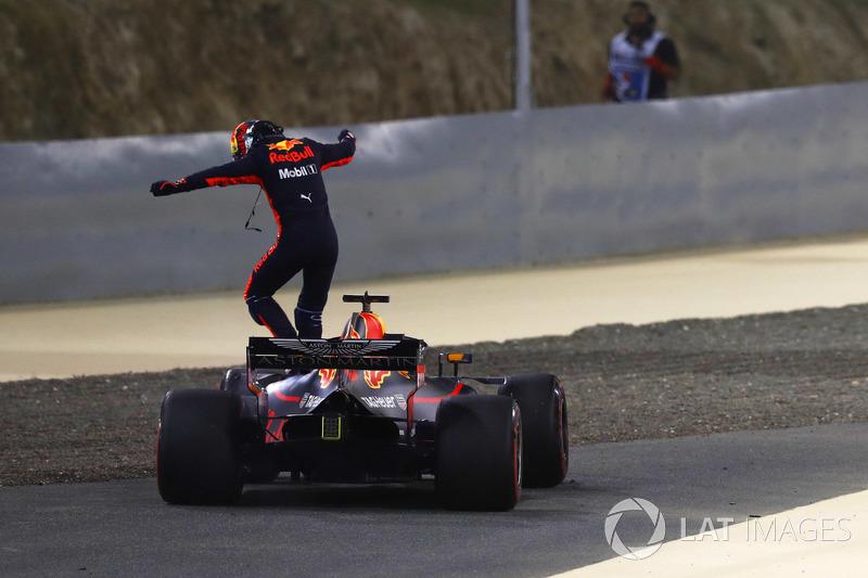 Daniel Ricciardo, Red Bull Racing RB14 Tag Heuer, gagal finis