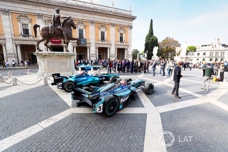 Exhibición en las calles de Roma.