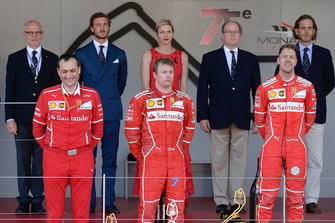 Podium: winnaar Sebastian Vettel, Ferrari, tweede Kimi Raikkonen, Ferrari, derde Daniel Ricciardo, Red Bull Racing