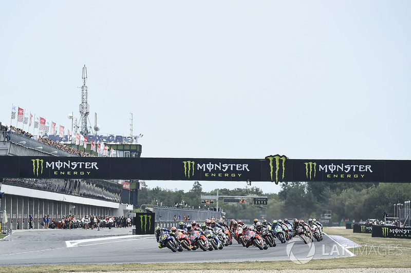 Valentino Rossi, Yamaha Factory Racing, race start