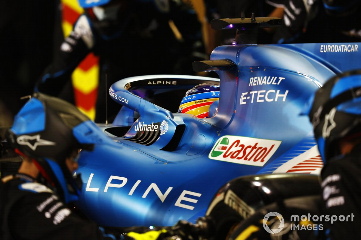 Fernando Alonso, Alpine A521, in the pits