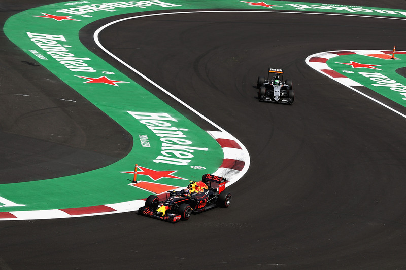 Max Verstappen, Red Bull Racing RB12, Nico Hulkenberg, Sahara Force India F1 VJM09