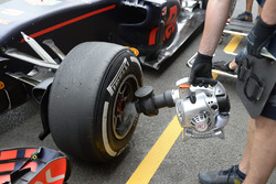 Pirelli neumáticos, Daniel Ricciardo, Red Bull Racing RB12