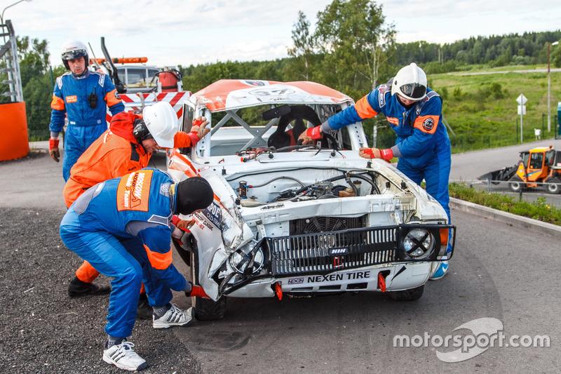 Автомобиль Натальи Гольцовой после аварии