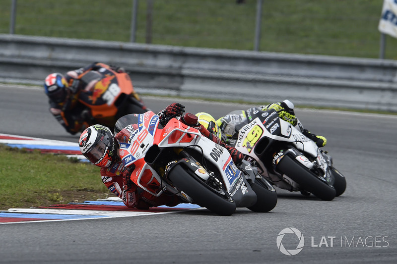 Jorge Lorenzo, Ducati Team, son turda 15. sırada