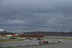 Sebastian Vettel, Ferrari SF70H, Nico Hulkenberg, Renault Sport F1 Team RS17, Esteban Ocon, Sahara Force India F1 VJM10