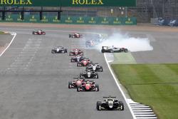 Ландо Норріс, Carlin, Dallara F317 - Volkswagen leads, Микита Мазепін, Hitech Grand Prix, Dallara F317 - Mercedes-Benz