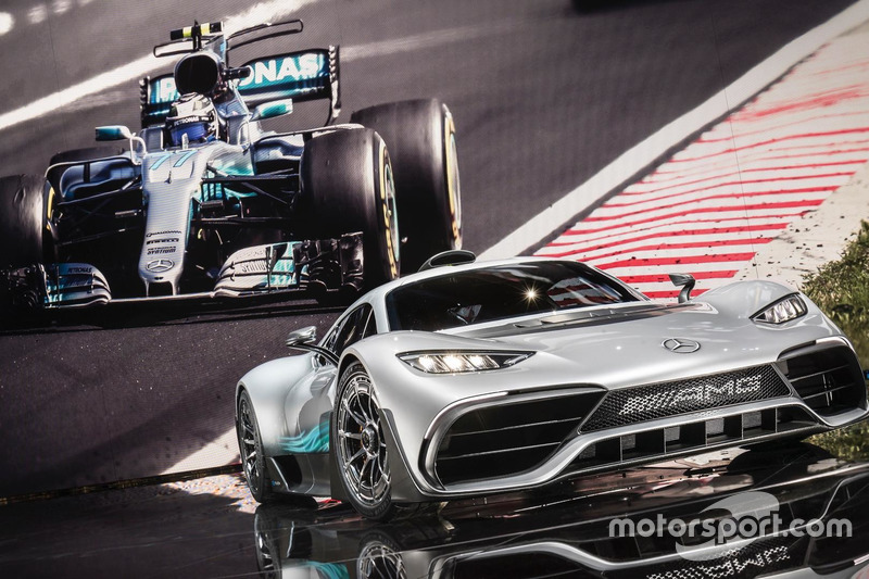Mercedes W08 та Mercedes-AMG Project ONE