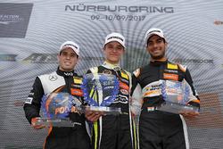 Podium rookies : le vainqueur Lando Norris, Carlin Dallara F317 - Volkswagen, le deuxième, Joey Mawson, Van Amersfoort Racing, Dallara F317 - Mercedes-Benz, le troisième, Jehan Daruvala, Carlin, Dallara F317 - Volkswagen