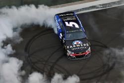 Yarış galibi Kasey Kahne, Hendrick Motorsports Chevrolet