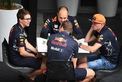 Max Verstappen, Red Bull Racing, Gianpiero Lambiase, Red Bull Racing