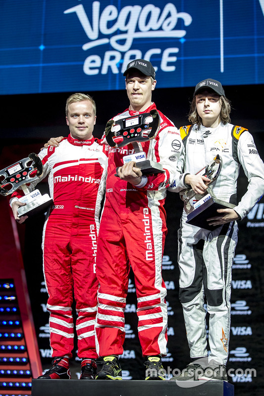 Felix Rosenqvist, Mahindra Racing; Olli Pahkala, Mahindra Racing; Bono Huis, Faraday Future Dragon Racing