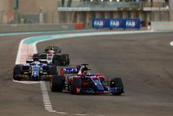 Brendon Hartley, Scuderia Toro Rosso STR12, Marcus Ericsson, Sauber C36, Kevin Magnussen, Haas F1 Team VF-17