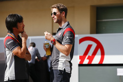 Ayao Komatsu, Chief Race Engineer, Haas F1 Team, Romain Grosjean, Haas F1 Team