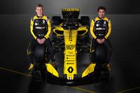 Nico Hulkenberg, Carlos Sainz Jr., Renault F1 Team