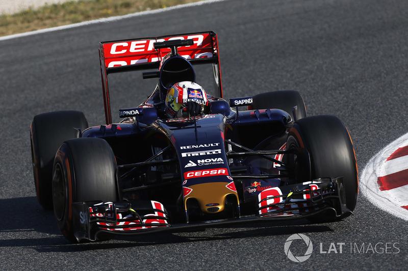 2015: Toro Rosso STR10 Renault (два четвертых места, 7-е место в КК)