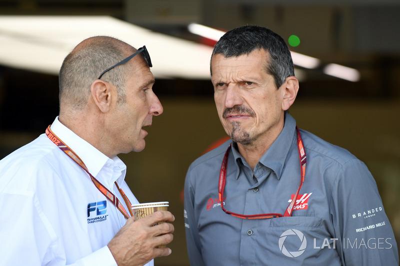 Bruno Michel y Guenther Steiner, Haas F1 Team Principal