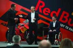 Hubert Trunkenpolz, membri del consiglio KTM, Pit Beirer, Capo del Motorsport KTM con Alex Hofmann