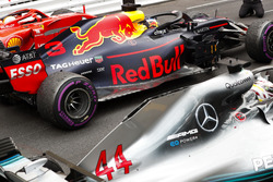 Second place Sebastian Vettel, Ferrari SF71H, Race winner Daniel Ricciardo, Red Bull Racing RB14, third place Lewis Hamilton, Mercedes AMG F1 W09, arrives in Parc Ferme